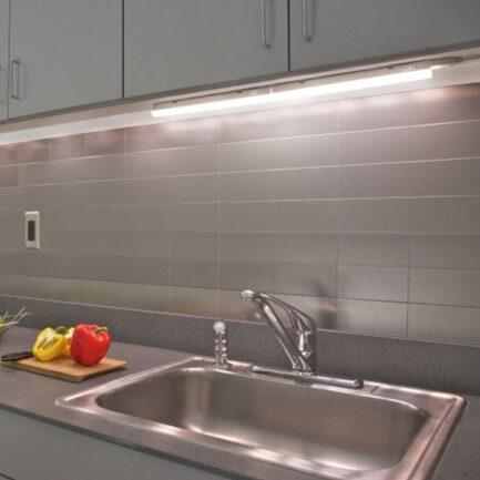 LED kuhinjska svjetiljka Dyzma 15W 4000K 60cm s prekidačem Strühm
